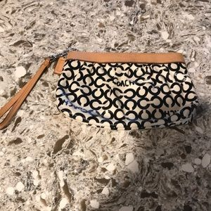 Super Cute Coach Wristlet Great Used Condition ❤️